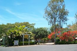 Mareeba Riverside Caravan Park - Accommodation NT