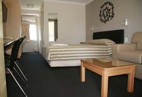 Queensgate Motel - Accommodation NT