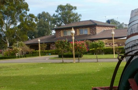 Carriage House Motor Inn - Accommodation NT