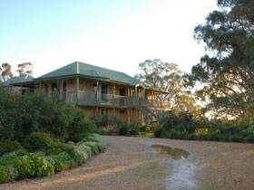Lindsay House - Accommodation NT