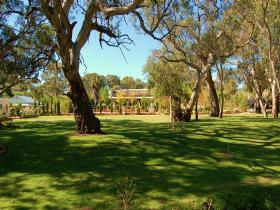 Jacobs Creek Retreat at Moorooroo Park - Accommodation NT