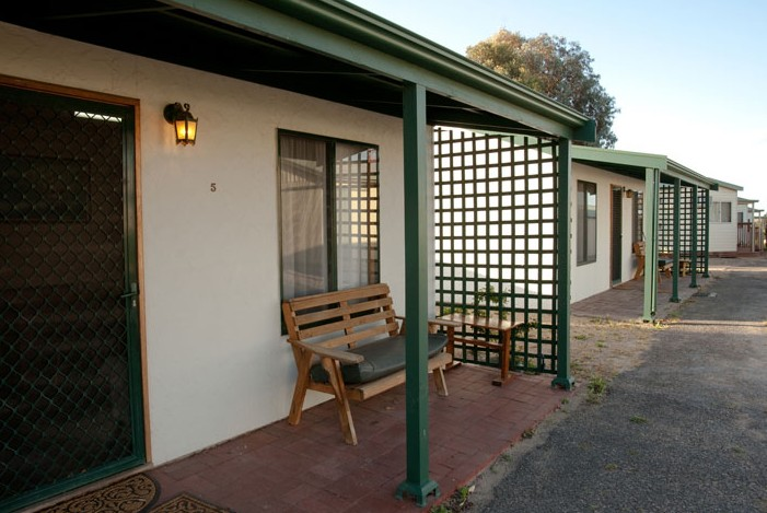 Moonta Bay Road Cabins and Cottages - Accommodation NT