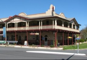 The Royal Hotel Adelong - Accommodation NT