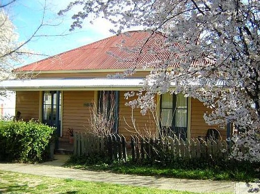 Cooma Cottage - Accommodation - Accommodation NT