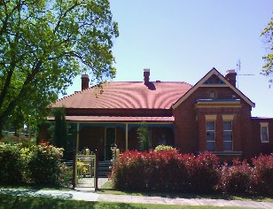 Tumut Accommodation Sefton House - Accommodation NT