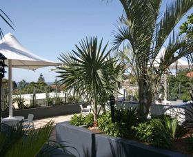 Cote D Azur - Accommodation NT