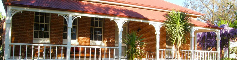 Araluen Old Courthouse Bed and Breakfast - Accommodation NT