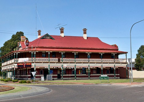 The New Coolamon Hotel - Accommodation NT