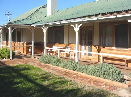 Gundagai Historic Cottages Bed and Breakfast - Accommodation NT