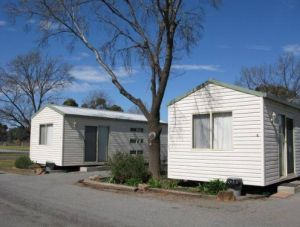 Leeton Caravan Park - Accommodation NT