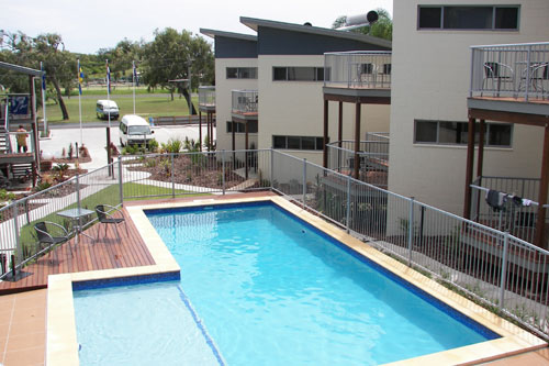 Emu's Beach Resort - Accommodation NT
