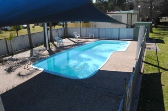 Crows Nest Caravan Park - Accommodation NT