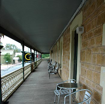 Hotel Mannum - Accommodation NT