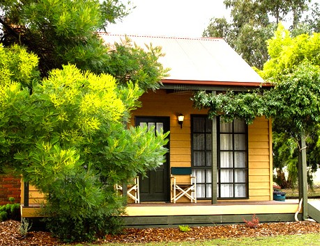 Mountain View Motor Inn and Holiday Lodges - Accommodation NT