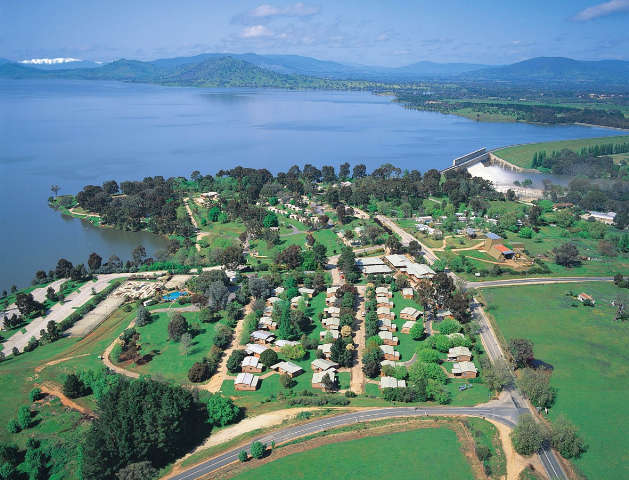 Lake Hume Resort