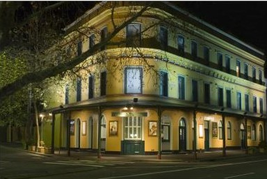 The Royal Exhibition Hotel - Accommodation NT