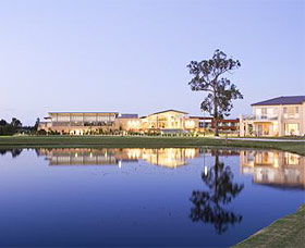 The Crowne Plaza Hotel - Accommodation NT