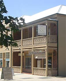 Cobb  Co Court Boutique Hotel - Accommodation NT