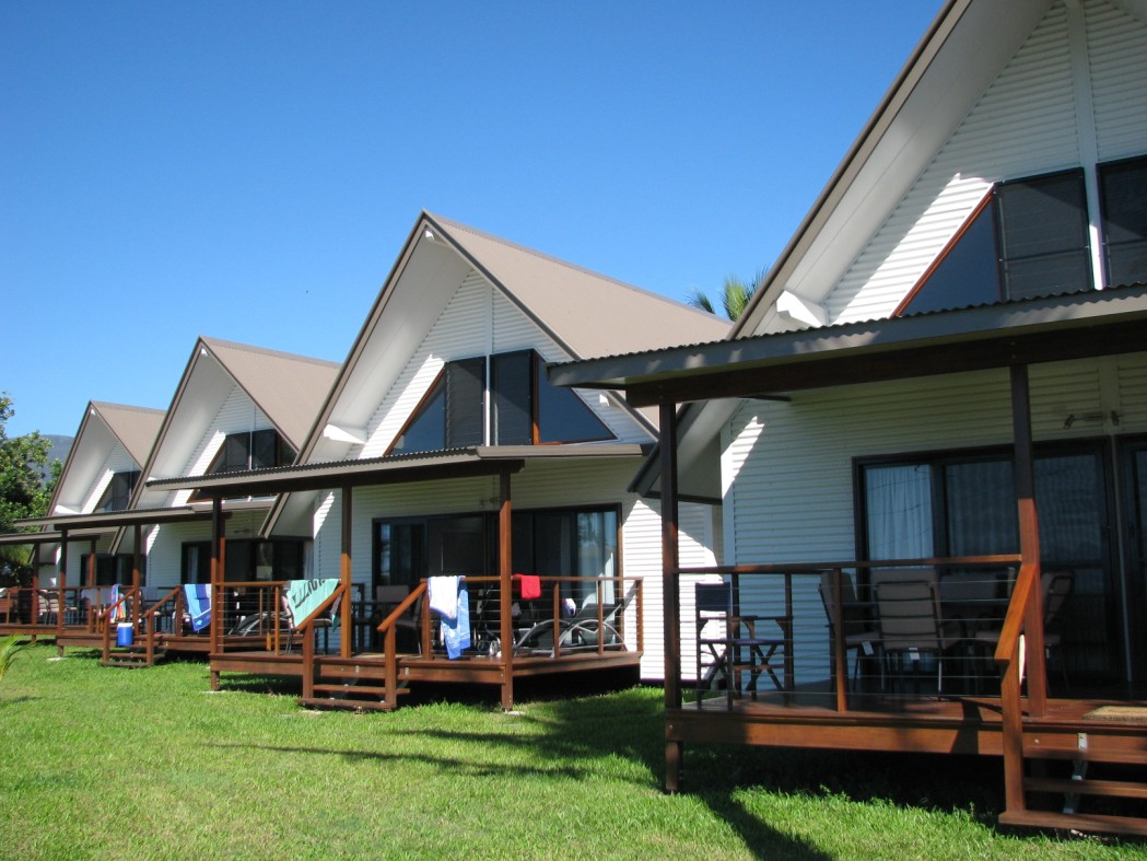 Cardwell Beachcomber Motel  Tourist Park - Accommodation NT