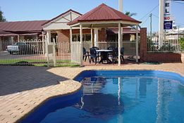Roma Mid Town Motor Inn - Accommodation NT