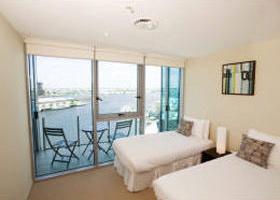 Docklands Apartments Grand Mercure - Accommodation NT
