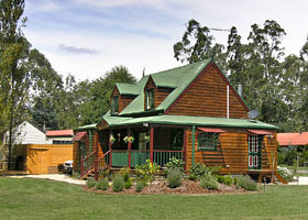 Mystic Mountains Holiday Cottages - Accommodation NT