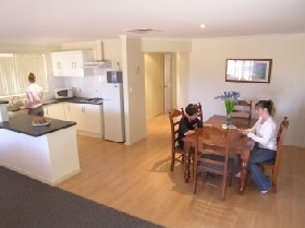 Copper Cove Holiday Villas - Accommodation NT