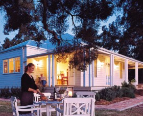Lillians On Lovedale - Accommodation NT
