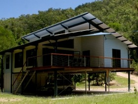 Creek Valley Rainforest Retreat - Accommodation NT