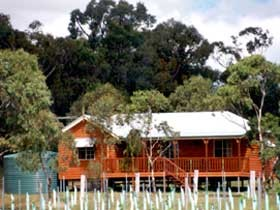 Granite Ridge Wines - Fergies Hill Cottage - Accommodation NT