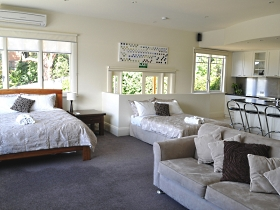 Belton House - Accommodation NT