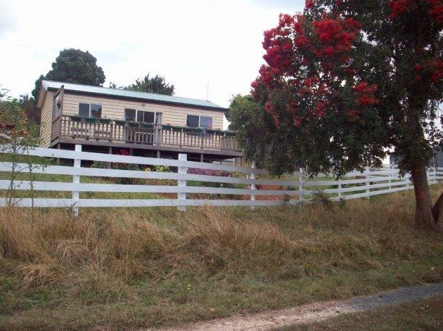 Demeter Farm Cabin - Accommodation NT