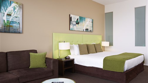 Mercure Melbourne Caroline Springs - Accommodation NT