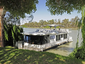 Boats and Bedzzz - The Murray Dream self-contained moored Houseboat - Accommodation NT