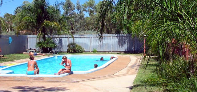 Stuart Caravan  Cabin Park - Accommodation NT