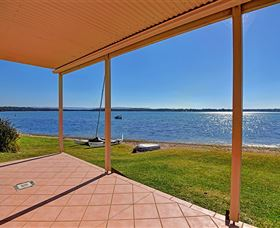 Luxury Waterfront House - Accommodation NT