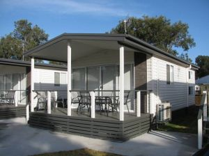 Lakeview Tourist Park - Accommodation NT