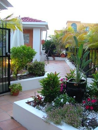 Shaz Maisons Beachside Holiday Apartments - Accommodation NT