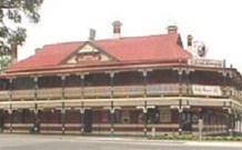 The New Coolamon Hotel - Coolamon - Accommodation NT
