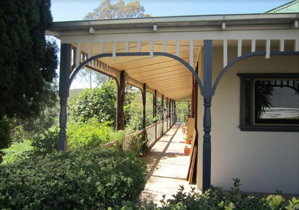The Grande Hotel and Restaurant - Accommodation NT