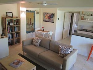 Bangalow Studio Apartment - Accommodation NT