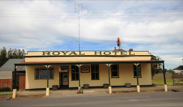 Royal Hotel Snake Valley - Accommodation NT