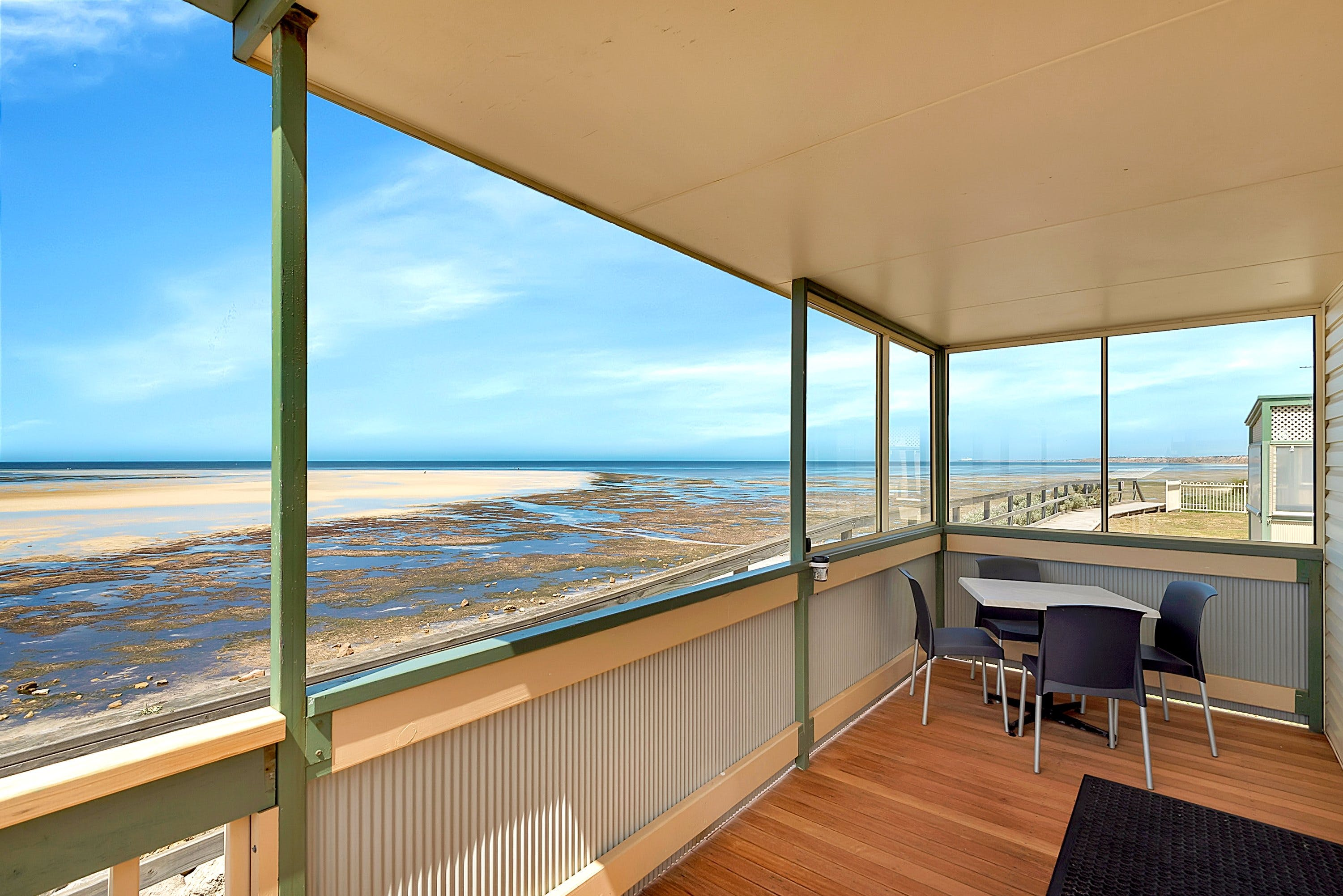 Stansbury Foreshore Caravan Park - Accommodation NT