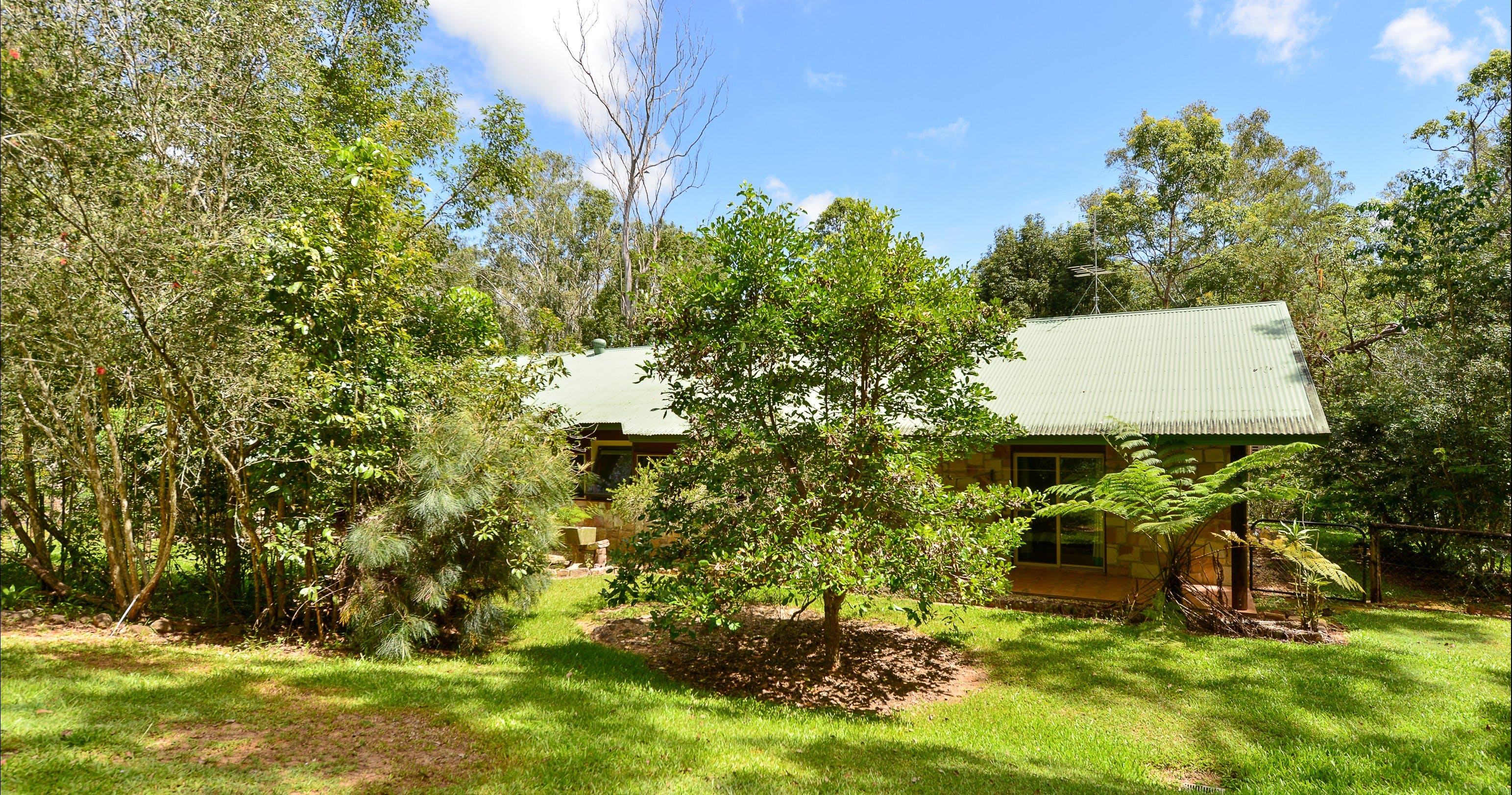 Bushland Cottages and Lodge Yungaburra - Accommodation NT