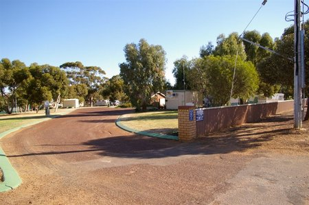 Corrigin Caravan Park - Accommodation NT