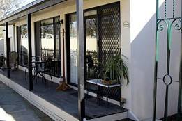 Courtside Cottage Bed and Breakfast - Accommodation NT