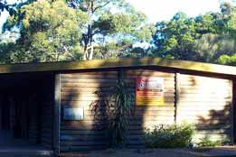 Beachcomber Caravan Park  Log Cabins - Accommodation NT