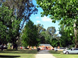 Cohuna Waterfront Holiday Park - Accommodation NT