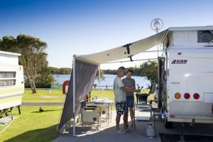 Lake Ainsworth Holiday Park - Accommodation NT