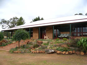 Yayl Lodge Bed  Breakfast - Accommodation NT